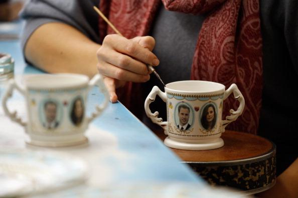 Christopher Furlong「UK Gears Up For A Royal Wedding After Engagement Announcement」:写真・画像(19)[壁紙.com]