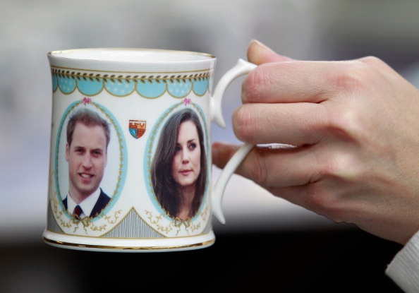 Souvenir「UK Gears Up For A Royal Wedding After Engagement Announcement」:写真・画像(15)[壁紙.com]