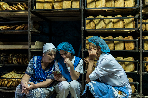 Preparing Food「Armenia And Azerbaijan Clash Over Disputed Nagorno-Karabakh Region」:写真・画像(6)[壁紙.com]