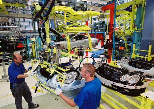 ダイムラーAG「Mercedes-Benz Factory」:写真・画像(8)[壁紙.com]