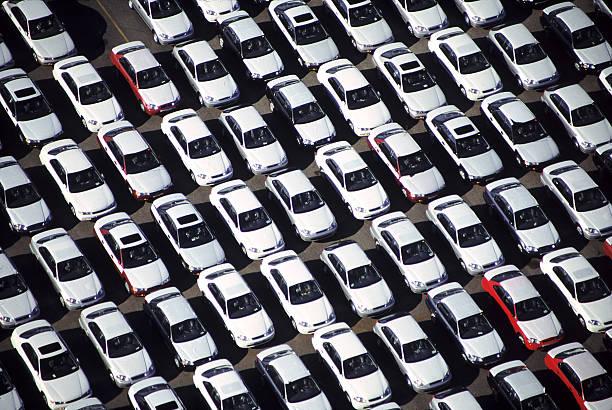 Aerial of a car lot:スマホ壁紙(壁紙.com)