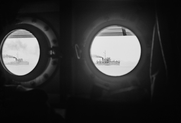 Looking At View「Tito's Warship」:写真・画像(15)[壁紙.com]