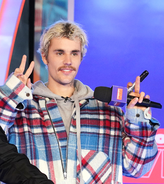 "MTV「Justin Bieber Storms MTV's ""Fresh Out Live"" and Makes a Superfan's Dreams Come True」:写真・画像(10)[壁紙.com]"