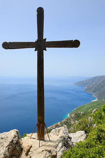 Mt Athos Monastic Republic「Greece, Chalkidiki, Mount Athos, World Heritage site, Lonely cross on the way to Mount Athos」:スマホ壁紙(18)