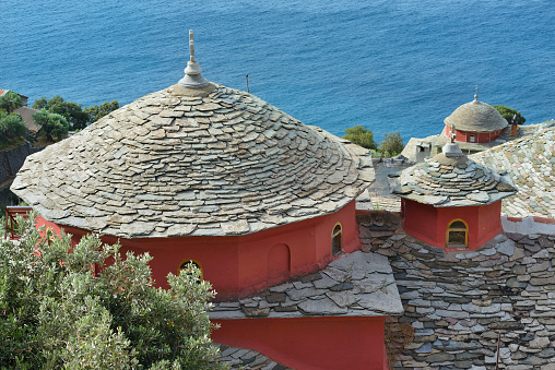 Mt Athos Monastic Republic「Greece, Chalkidiki, Mount Athos, World Heritage site, Skete (monastic settlement) of Kafsokalivia」:スマホ壁紙(9)