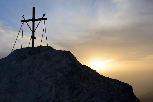 Mt Athos Monastic Republic「Greece, Chalkidiki, Mount Athos, World Heritage site, Sunset on top of Mount Athos (2033 m)」:スマホ壁紙(5)