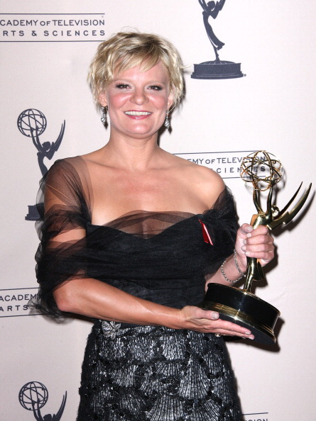 Scalloped - Pattern「The Academy Of Television Arts & Sciences 2012 Creative Arts Emmy Awards - Press Room」:写真・画像(17)[壁紙.com]