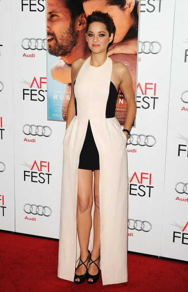 "Halter Top「AFI FEST 2012 Presented By Audi - ""Rust And Bone"" Premiere - Arrivals」:写真・画像(3)[壁紙.com]"