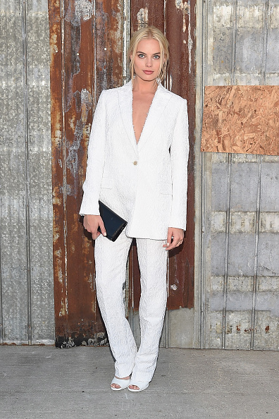 White Color「Givenchy - Arrivals - Spring 2016 New York Fashion Week」:写真・画像(17)[壁紙.com]