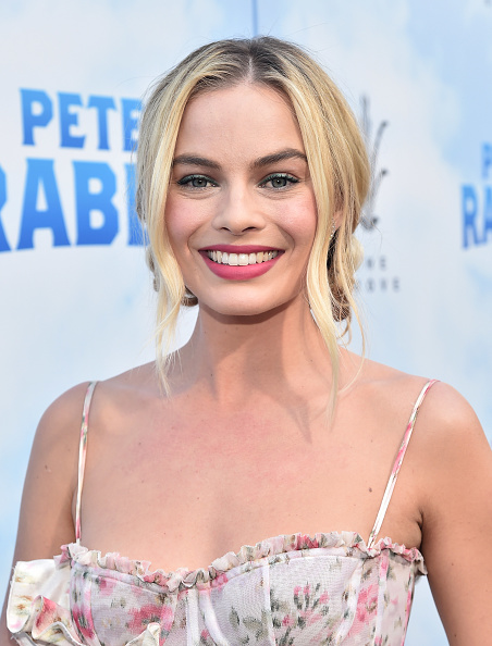 "カメラ目線「Premiere Of Columbia Pictures' ""Peter Rabbit"" - Red Carpet」:写真・画像(17)[壁紙.com]"