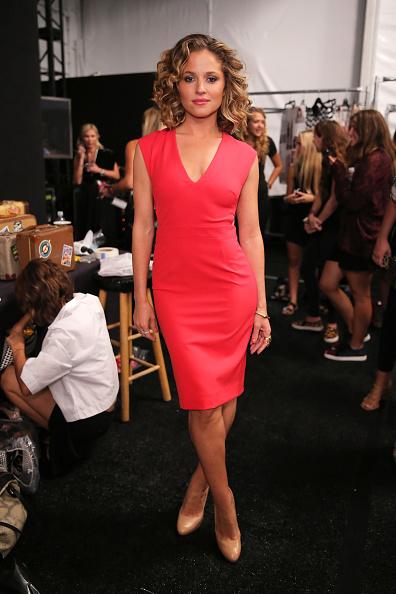 The Salon - Lincoln Center「Nicole Miller - Backstage - Mercedes-Benz Fashion Week Spring 2015」:写真・画像(5)[壁紙.com]