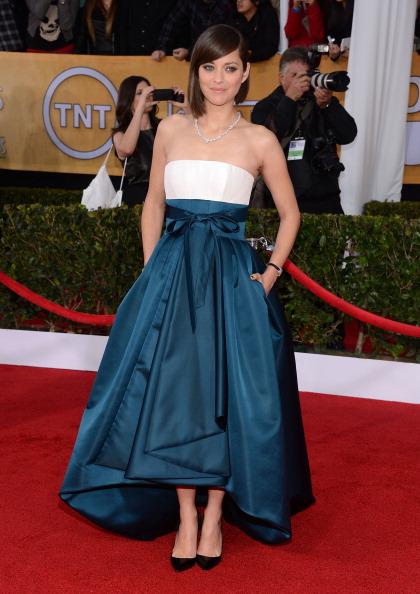 Asymmetric Clothing「19th Annual Screen Actors Guild Awards - Arrivals」:写真・画像(12)[壁紙.com]