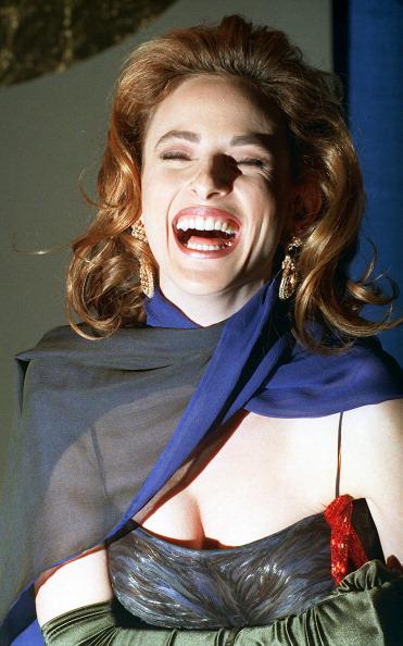 Evening Glove「Marlee Matlin」:写真・画像(11)[壁紙.com]