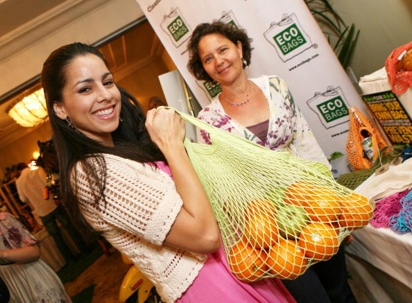 Reusable Bag「Hearts On Fire 'Green With Envi' Lounge - Day 2」:写真・画像(18)[壁紙.com]