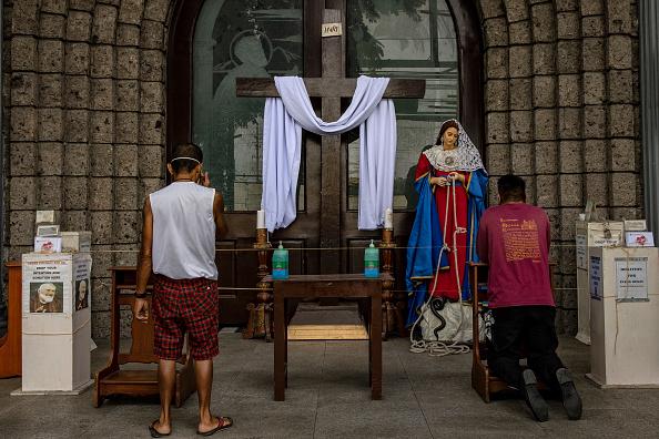 Religious Celebration「Filipinos Mark Easter Amid The Coronavirus Outbreak」:写真・画像(10)[壁紙.com]