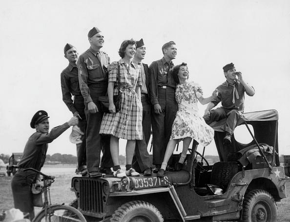 Month「Wartime Party」:写真・画像(12)[壁紙.com]