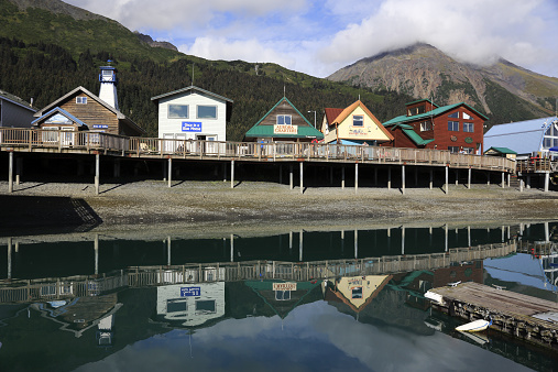Wooden Post「The Seward Boat Harbor」:スマホ壁紙(5)