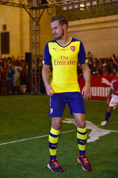 Aaron Ramsey「PUMA Partners With Arsenal Football Club To Debut Monumental Cannon In Grand Central Station」:写真・画像(3)[壁紙.com]