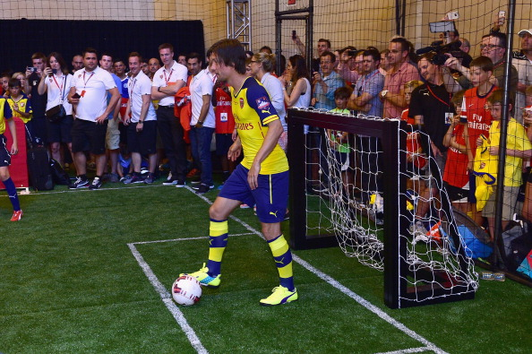 Aaron Ramsey「PUMA Partners With Arsenal Football Club To Debut Monumental Cannon In Grand Central Station」:写真・画像(5)[壁紙.com]