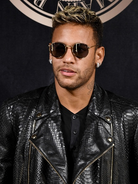 Neymar da Silva「L'Oreal Paris X Balmain Arrivals - Paris Fashion Week Womenswear S/S 2018」:写真・画像(15)[壁紙.com]