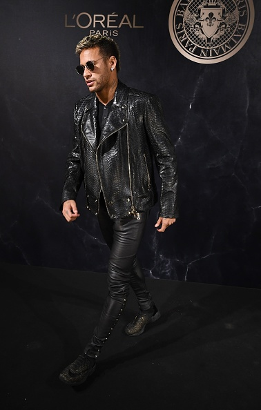 Neymar da Silva「L'Oreal Paris X Balmain Arrivals - Paris Fashion Week Womenswear S/S 2018」:写真・画像(1)[壁紙.com]