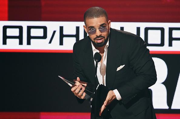Drake - Entertainer「2016 American Music Awards - Show」:写真・画像(1)[壁紙.com]