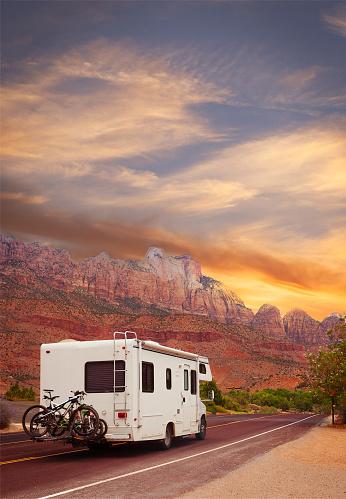 Utah「Road trip - Motor home」:スマホ壁紙(7)