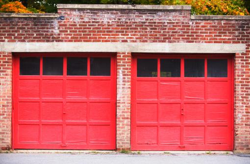Brick Wall「garage doors」:スマホ壁紙(8)