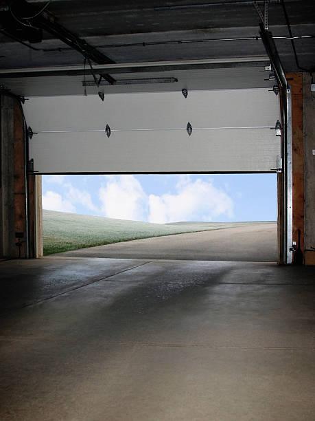 Garage Door Opening:スマホ壁紙(壁紙.com)