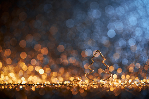 Cookie Cutter「Wooden Christmas Tree Decoration - Ornament Decoration Defocused Bokeh Background」:スマホ壁紙(10)