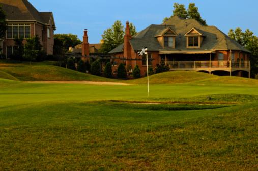 Taking a Shot - Sport「Putting Green on Professional Golf Course near Luxury Homes」:スマホ壁紙(3)