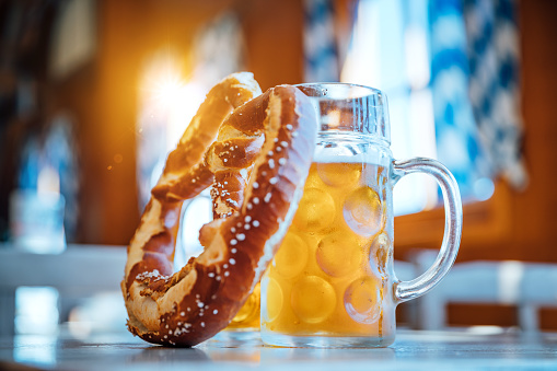 Tent「Beer and Pretzel, Oktoberfest Munich, Germany」:スマホ壁紙(18)
