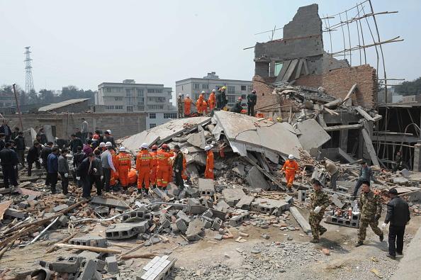 VCG「Nine Dead In Building Collapse In Guiyang」:写真・画像(2)[壁紙.com]