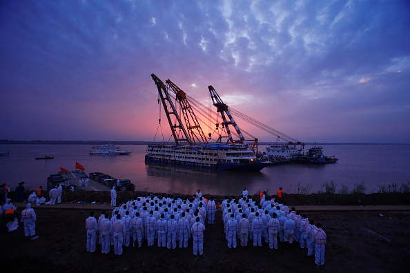 VCG「Rescue Continues After Ship Sinking In Yangtze」:写真・画像(16)[壁紙.com]