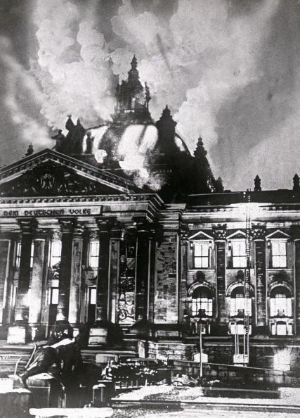 Composite Image「German Parliament building in flames」:写真・画像(7)[壁紙.com]