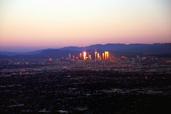 Dawn「Sunrise Relected in the Buildings of Downtown Los Angeles, California, USA」:写真・画像(11)[壁紙.com]
