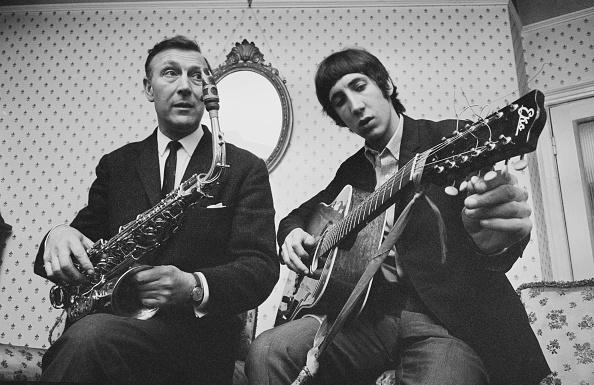 爪弾く「Pete Townshend And Father」:写真・画像(19)[壁紙.com]