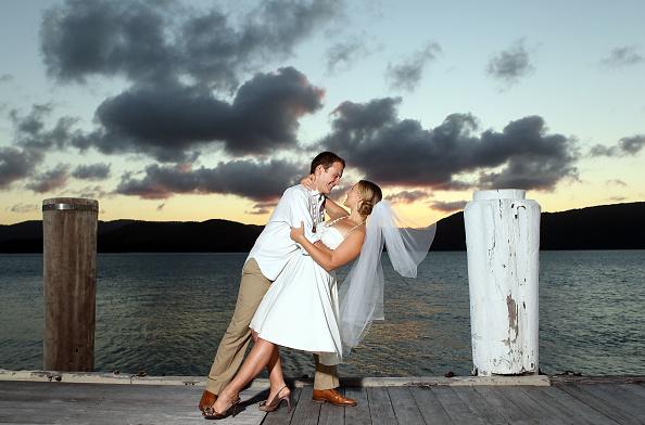 Wedding Vows「Honeymoon Testers Attempt To Break Wedding Vow Record In Queensland」:写真・画像(14)[壁紙.com]