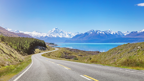 Winding Road「Mount Cook Road Trip Lake Pukaki New Zealand」:スマホ壁紙(2)