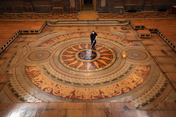 Tiled Floor「St Georges Hall's Rare Minton Floor Tiles Are Prepared For Public Display」:写真・画像(5)[壁紙.com]