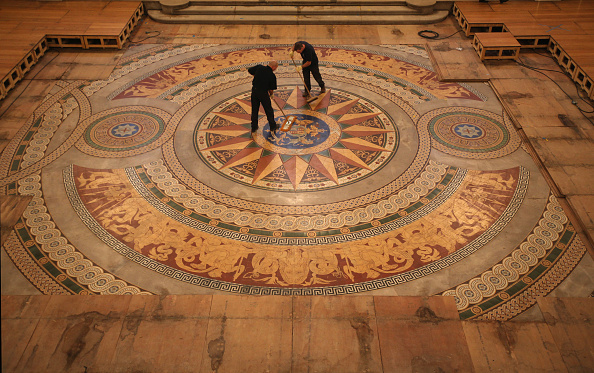 Tiled Floor「St Georges Hall's Rare Minton Floor Tiles Are Prepared For Public Display」:写真・画像(4)[壁紙.com]