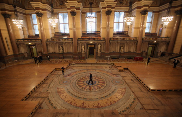 Tiled Floor「St Georges Hall's Rare Minton Floor Tiles Are Prepared For Public Display」:写真・画像(7)[壁紙.com]