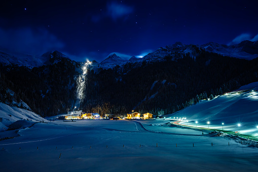 Austria「Winter ski resort Hintertux by night, Tirol, Austria」:スマホ壁紙(5)