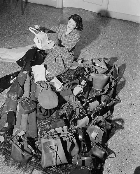 Large Group Of Objects「Camerino Handbag」:写真・画像(6)[壁紙.com]