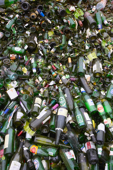 Full Frame「Bottle recycling」:写真・画像(2)[壁紙.com]