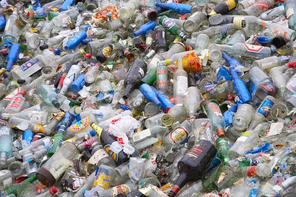 Full Frame「Bottle recycling」:写真・画像(18)[壁紙.com]