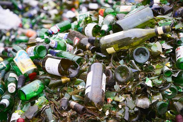 Full Frame「Bottle recycling」:写真・画像(0)[壁紙.com]