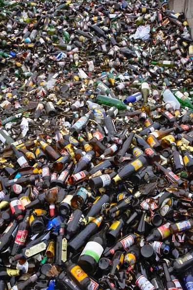 Full Frame「Bottle recycling」:写真・画像(15)[壁紙.com]