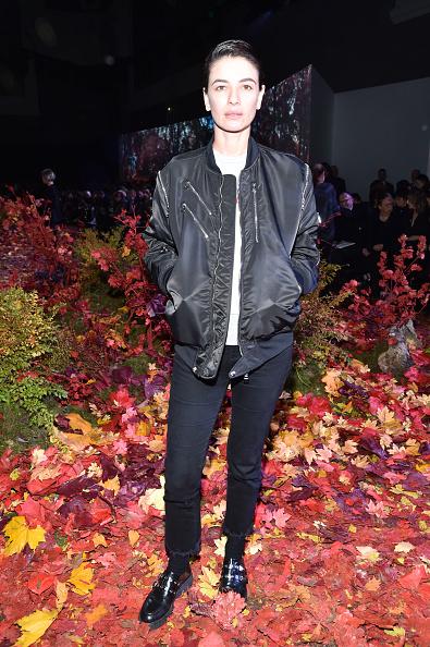 Black Jeans「Moncler Gamme Rouge: Front Row  - Paris Fashion Week Womenswear Fall/Winter 2017/2018」:写真・画像(17)[壁紙.com]