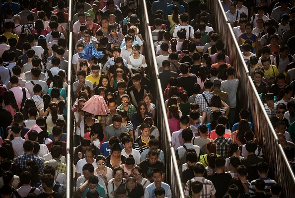 In A Row「Beijing Increases Security following Recent Attacks In Xinjiang」:写真・画像(4)[壁紙.com]